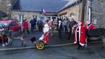 LANVELLEC – Les colis de Noël ont été distribués par des ânes.